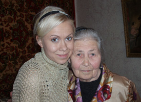 12.25.06 Oksana visits her Grandmother and family, Ukraine.