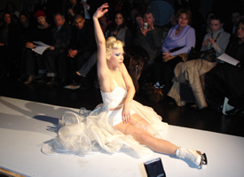 2.12.08 Oksana performs on the runway of Levi Okunov 2008 at the Jewish Museum.