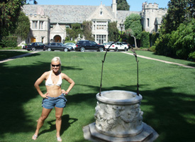 7.4.06 Oksana visits Playboy Mansion in LA